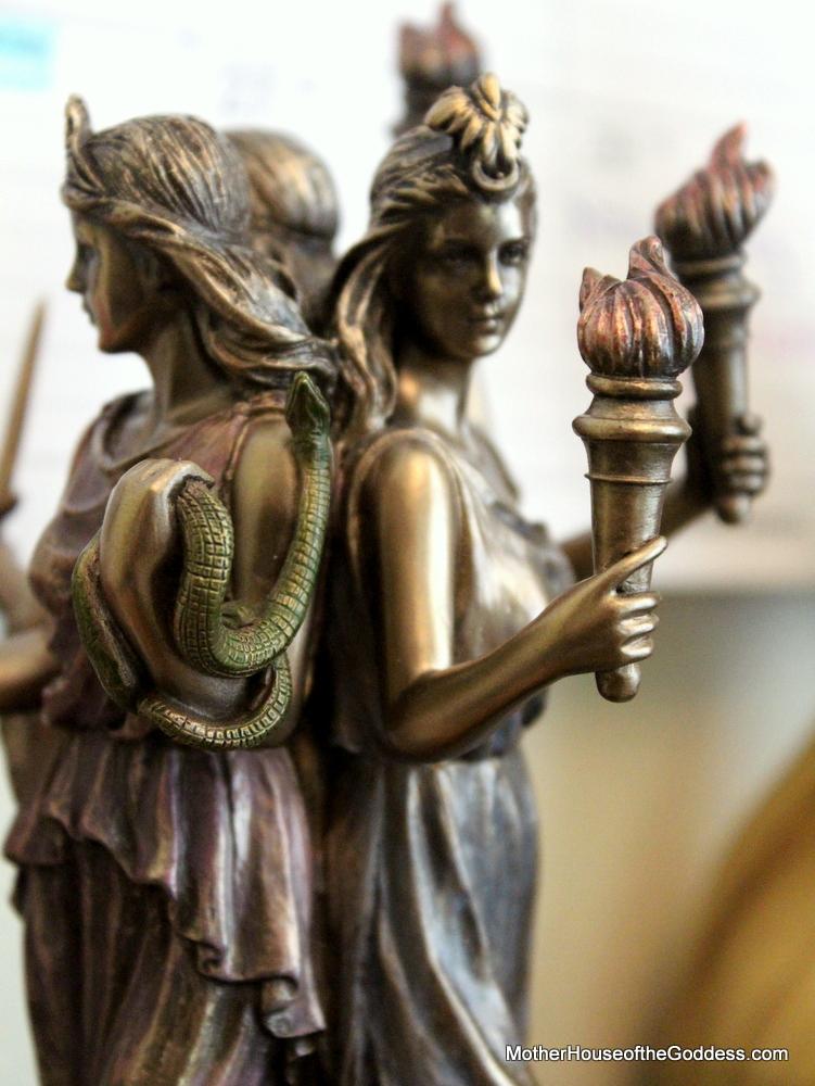 The-Goddess-Hekate-Kimberly-Moore-Altar-MotherHouse-of-the-Goddess